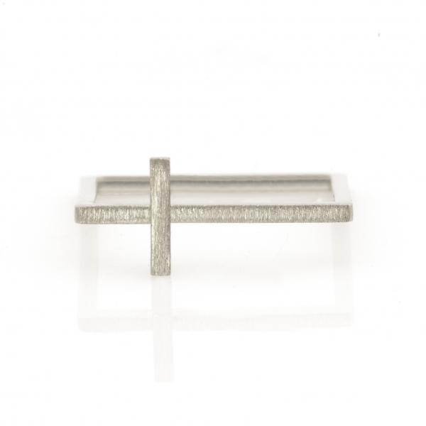 pierścionek srebrny krzyżyk na kwadracie