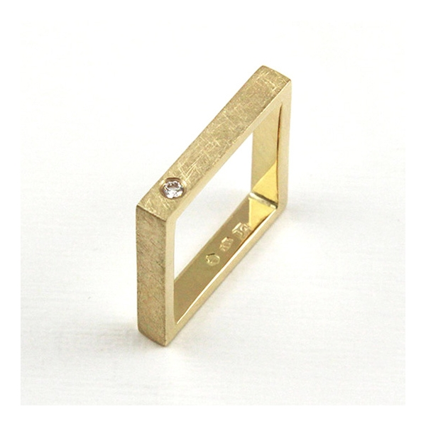 gold squere ring with diamond, ja. jablonska jewellery
