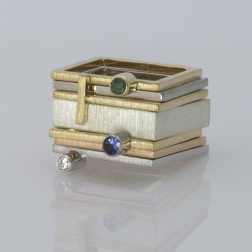 """gold diamond ring from the collection """"square delicacy"""""""