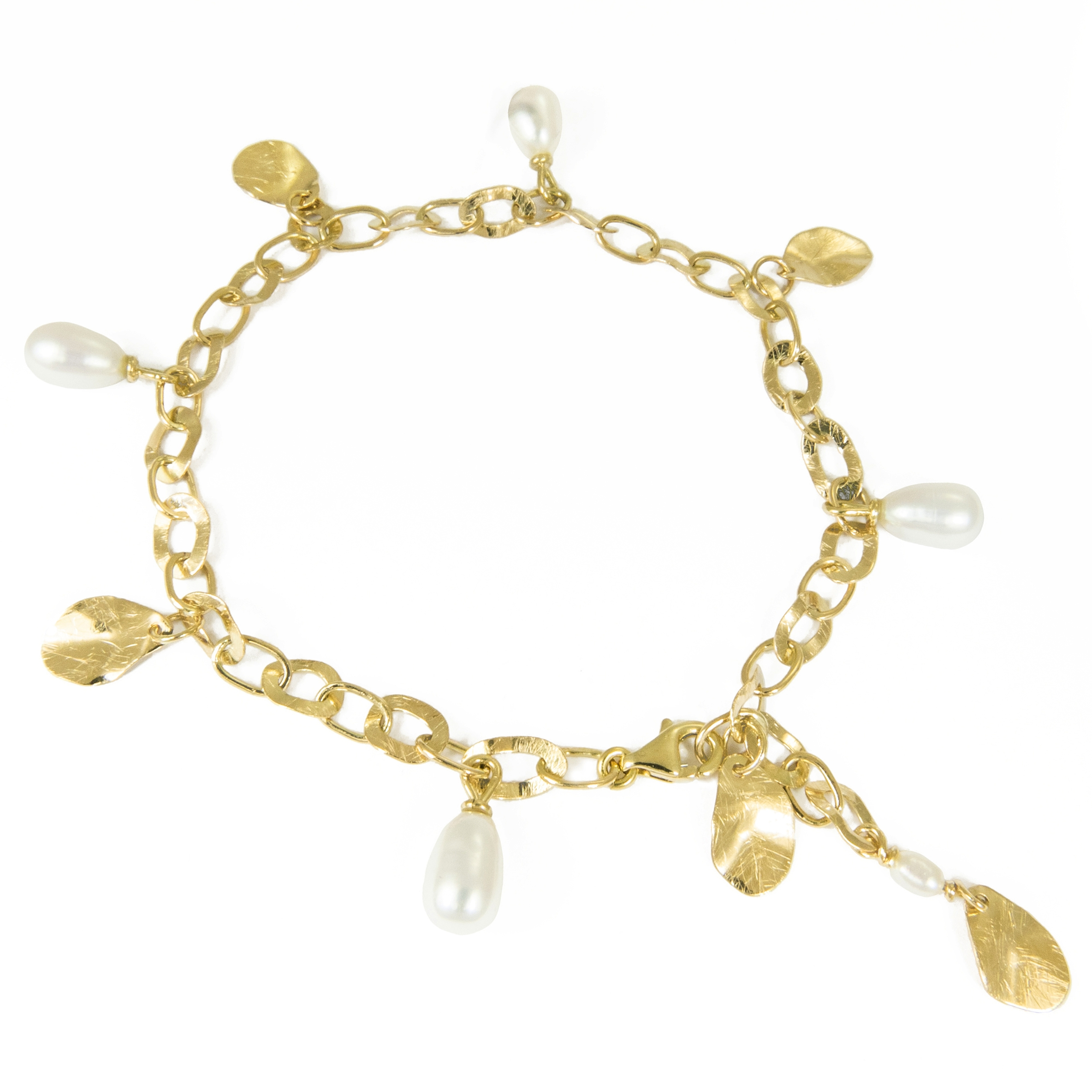 gold trembling shine with pearls