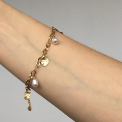gold bracelet with pearls Trembling shine