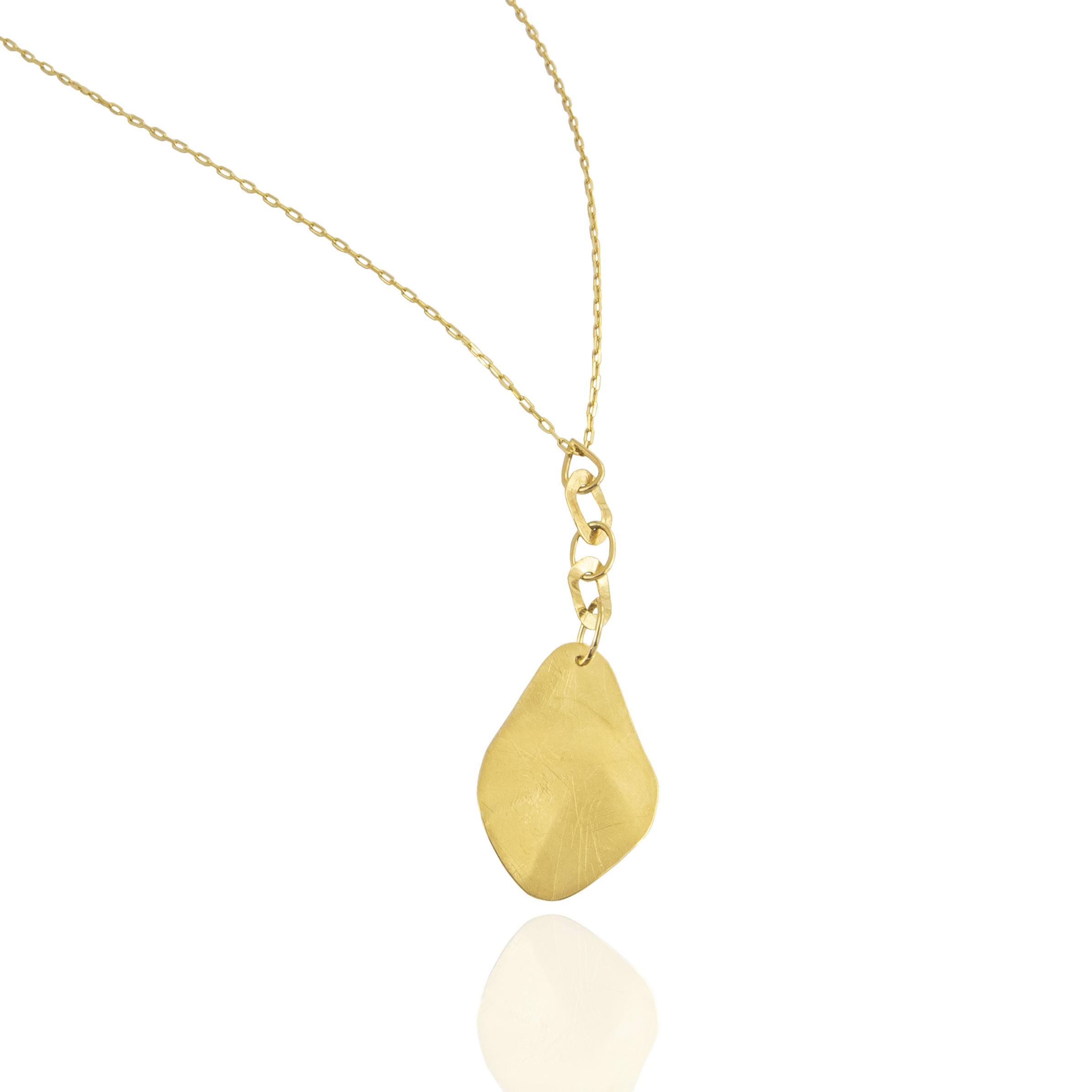 trembling shine gold pendant