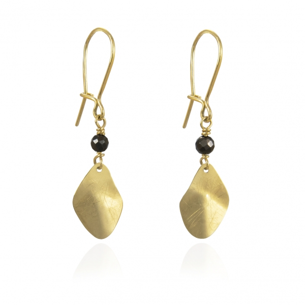 gold earrings with onyx trembling shine