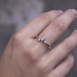 gold ring with topaz sky, ja. jabłońska biżuteria