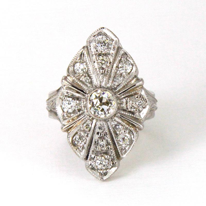 pierścionek z białego złota z diamentami, ja. jabłońska biżuteria